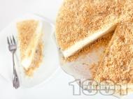 Чийзкейк с блат от бисквити, орехи и овесени ядки с желатин, заквасена сметана и крема сирене без печене